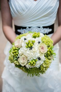 #Green  #white #bouquet ... Wedding ideas for brides, grooms, parents  planners ... https://itunes.apple.com/us/app/the-gold-wedding-planner/id498112599?ls=1=8 … plus how to organise an entire wedding ♥ The Gold Wedding Planner iPhone App ♥