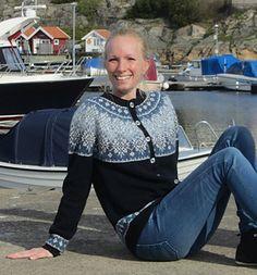 Ravelry: Bohusstjärnan / The Bohus Star pattern by Madeleine Bergh Fair Isle Knitting Patterns, Fair Isle Pattern, Knitting Charts, Knitting Designs, Star Patterns, Knit Patterns, Stitch Witchery, Nordic Sweater, Fair Isles