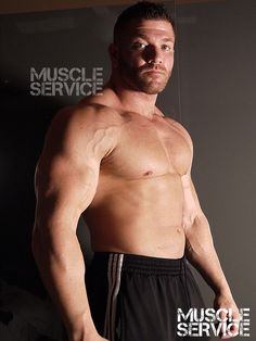 Is it me or is this week flying by? #muscleservice #bannonmen #muscle #webcam #boss