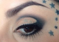 Shop Kat Von D at Sephora: http://seph.me/17hb14D Kat Von D shows you how to get her soft, cut crease eye look - Step 1: Pat High Voltage Eye Primer on to ey...
