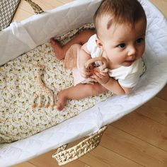 @jessmmarie, thanks for sharing this photo of your girl Isla with our teether blankie in baby pink.