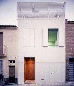 HARQUITECTES  Projet : Casa 78 Localisation : Barcelone  Statut : Complété, 2002 Aire : 242 m2 vm
