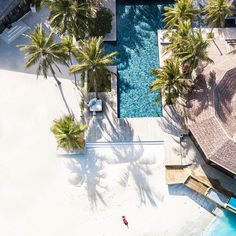 When sitting on the sidelines means sitting poolside with a drink in your hand ________________________ Airplane Travel, Long Flights, Vacation Style, Tropical Vibes, Travel Kits, Packing Light, Never Stop Exploring, Travel Goals, Luxury Travel