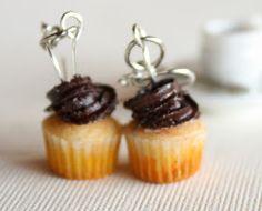 Toni Ellison: DIY Miniature Clay Cupcakes & Cupcake Mold