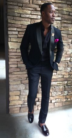 black formal wear with the right fit and accessories