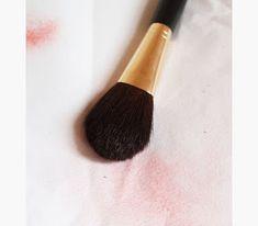 ΥΓΕΙΑ ΚΑΙ ΟΜΟΡΦΙΑ: Ξέρεις πως να καθαρίσεις σωστά τα πινέλα του μακιγ... Blog, Beauty, Blogging