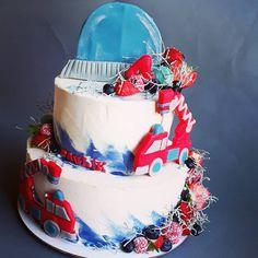 """18 To se mi líbí, 0 komentářů – Sladká Chaloupka (@sladka_chaloupka) na Instagramu: """"Hasičský dort #dorthasici #hasicskydort #hasici #firemancake #boycake"""" Birthday Cake, Desserts, Food, Tailgate Desserts, Birthday Cakes, Deserts, Essen, Dessert, Yemek"""