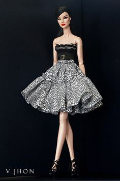 2015 August Fashion Look 1 Barbie Gowns, Doll Clothes Barbie, Barbie Dress, Barbie Fashionista, Fashion Royalty Dolls, Fashion Dolls, Love Fashion, Girl Fashion, Barbie Mode