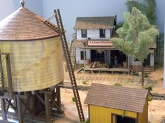 Building an adobe house model N Scale Trains, Ho Trains, Model Trains, Electric Train Sets, Adobe House, Model Cars Kits, Model Train Layouts, Small World, Scale Models