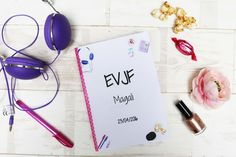 Une idée sympa et qui coûte 3 fois rien pour un EVJF : fabriquer un mini-carnet qui va être rempli par les participantes de l'EVJF. Modèle gratuit. Love Days, Marry Me, Diy, Inspiration, Wedding, Bruno, Bons Plans, Organiser, Occasion