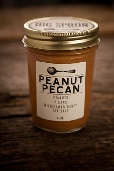 Southern peanut pecan butter combines the rich, buttery sweetness of roasted pecans with peanuts slow-roasted to a deep amber.  The hints of sea salt and honey round out a flavor...oooh...my......