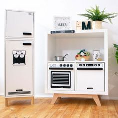 The IKEA Kallax line Storage furniture is a vital section of any home. Trendy and wonderfully easy the corner Kallax from Ikea , for example. Kallax Ideas, Diy Kallax, Ikea Kallax Shelf, Ikea Kallax Regal, Ikea Kallax Hack, Ikea Malm, Ikea Duktig, Childrens Kitchens, Diy Furniture Easy