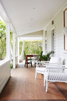 Porch goals. A family of five renovated this property into the most beautiful bohemian boutique hotel on a pristine stretch of Australia's coastline. Photo & Design by Byron Beach Abodes Coastal Homes, Coastal Decor, Coastal Entryway, Coastal Rugs, Modern Coastal, Coastal Style, Home Design, Patio Design, Café Exterior