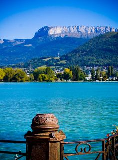 'Lac Annecy' by Miryam Zarzar. Creative Commons Attribution licence