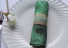 GOLD NAPKIN RINGS, Wedding Napkin Rings, Napkin Holders, Anniversary Decor, Place Setting Decor, Home Decorm Gift, Gold and Green, Set of 25 by ModernClassicbyCarol on Etsy
