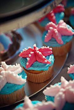 starfish cupcakes, can we make these for the shower? they just look yummy! Sea Cupcakes, Cute Cupcakes, Cupcake Cookies, Party Cupcakes, Seashell Cupcakes, Summer Cupcakes, Mermaid Cupcakes, Themed Cupcakes, Cupcake Wars