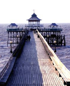 Clevedon pier, How lucky am i? i live here! How Lucky Am I, Home And Away, Somerset, Northern Ireland, Railroad Tracks, Seaside, Places Ive Been, Paths, Britain