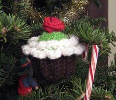 Ravelry: Project Gallery for Cupcake Ornament pattern by Michele Wilcox