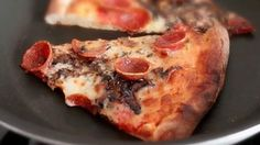 How to reheat pizza so it tastes like it did right after it came out of the oven....