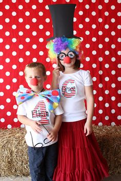 carnival party photo booth: clown noses from oriental trading