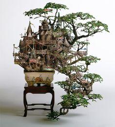 O artista japonêsTakanori Aibacria essas minúsculas e detalhadas casas na árvore, usando como base para a sua arte um bonsai.    ...