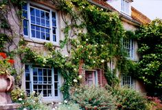 The artists Vanessa Bell and Duncan Grant lived in this beautiful house. Charleston Farmhouse on the South Downs