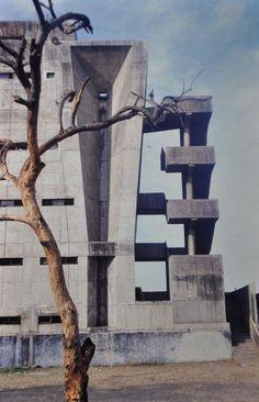 TAGORE MEMORIAL HALL, Ahmedabad, India - Balkrishna Vithaldas Doshi, 1966