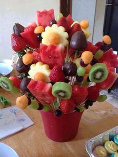 Composizione floreale con frutta 4