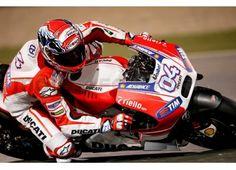 Tutti pronti per l'inizio della #MotoGP in #Qatar! chi picchierà più forte di tutti??? http://moto.infomotori.com/articolo/novita/24356/motogp-2015-orari-delle-gare-per-linizio-del-mondiale-a-losail-in-qatar/