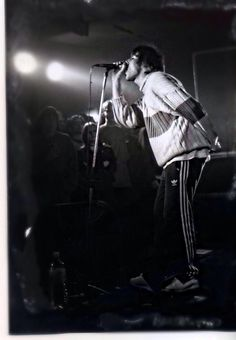 """sky-of-red: """" Oasis 1994 """" U Rock, Rock N Roll, Liam Gallagher Noel Gallagher, Oasis Band, Oasis Fashion, Liam And Noel, Black And White Photo Wall, Britpop, Indie Music"""