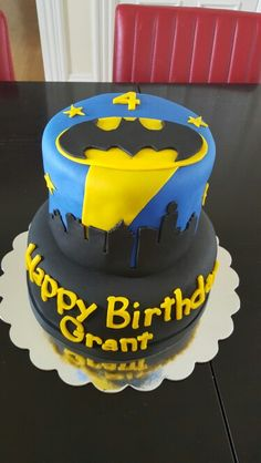 Simple, and striking...Batman themed birthday cake!