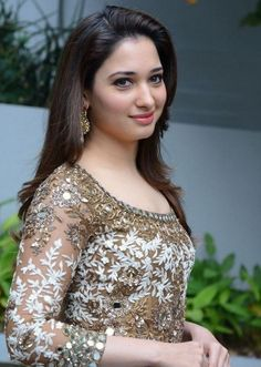 South Indian Girl Tamannaah Smiling Face Stills In Green Dress At Movie Opening South Indian Actress Photo, Indian Actress Photos, Indian Bollywood Actress, Bollywood Girls, Beautiful Bollywood Actress, Most Beautiful Indian Actress, Most Beautiful Women, Beautiful Actresses, Indian Actresses
