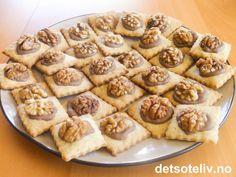 Norwegian Christmas, Waffles, Food And Drink, Sweets, Cookies, Baking, Breakfast, Desserts, Christmas Cakes