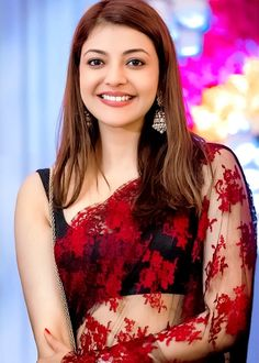 Kajal Aggarwal was born on 19 June Let's have a look at the personal and professional background of the actress Kajal Agarwal! Bollywood Actress Hot, Bollywood Fashion, Indian Beauty Saree, Indian Sarees, Indian Film Actress, Indian Actresses, Hot Actresses, Wedding Lehenga Designs, Kajal Agarwal Saree
