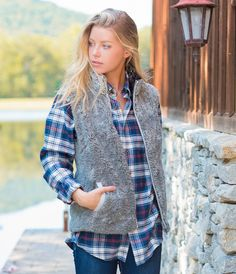 Southern Shirt Company Heathered Sherpa Vest In Heather Moon Mist