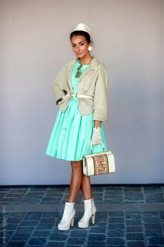 Shades of green. Spring Street Style, Street Style Women, Spring Style, Mint Dress, Feminine Dress, Retro Dress, Shades Of Green, Street Photography, Spring Fashion