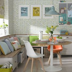ideas for kitchen corner bench seating floors Kitchen Benches, Kitchen Nook, Kitchen Living, Kitchen Decor, Living Room, Corner Seating Kitchen, Corner Dining Bench, Sofa In Kitchen, Diner Kitchen