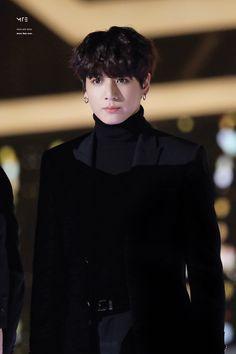 #jungkook #정국 #blackhair #black #turtleneck  #suit