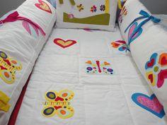 Kit de berço, confeccionados por Maete Atelier. Para encomendar envie um e-mail para teresi@globo.com ou visite nossa pagina no facebook. www.facebook.com/maete.atelier