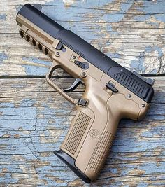 RAE Magazine Speedloaders will save you! Military Weapons, Weapons Guns, Guns And Ammo, Revolver, 9mm Pistol, Fn Five Seven, Fn Herstal, Shooting Guns, Cool Guns