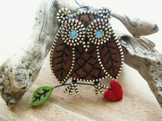 Zipper owl brooch