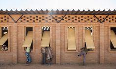 Primary School Gangouroubouro - LEVS architecten