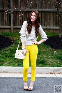 4. #Dressed down - 7 Fabulous Tips on How to Wear #Colored Jeans ... → #Fashion #Ankle