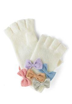 Flair to Flaunt Gloves | Mod Retro Vintage Gloves | ModCloth.com
