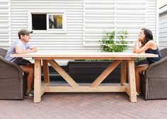Builders Showcase // Yellow Brick Road's Provence Beam Dining (The Design Confidential) Outdoor Table Plans, Outdoor Farmhouse Table, Outdoor Dining, Outdoor Decor, Woodworking Outdoor Furniture, Woodworking Plans, Woodworking Mallet, Furniture Plans, Rustic Furniture