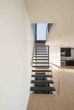 Vertical House / Juan Carlos Doblado