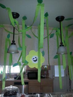 Justin's Undertale flowey decoration.