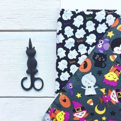 The perfect snips for some Halloween sewing  . (Tap the snips to shop) . . . . .  #snugglymonkey #shopsnugglymonkey #craftsupplies #makersgonnamake #makersmovement #create #dreamcreateinspire #modernmaker #crafts #crafting #creativity #scissors #embroideryscissors #blackcat #halloween #halloweensewing #handmadehalloween #catlover #catlovers
