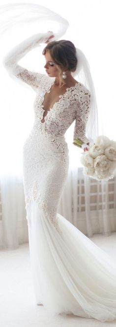 A long sleeve lace wedding dress is such a modern classic and this one by @bertabridal is just so glamorous. #laceweddingdresses