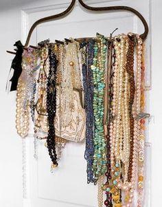 Garden rake head for necklace storage. Rake Jewelry Holder, Diy Necklace Holder, Necklace Hanger, Necklace Storage, Jewelry Hanger, Jewellery Storage, Jewelry Organization, Hang Jewelry, Necklace Display